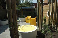 Vogeldrinkschaal rond geel. Canning, Home Canning, Conservation