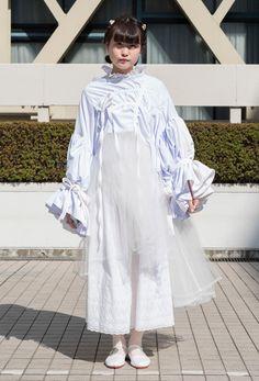 62f232555a5ad  キャンパス・パパラッチ DAILY 衣装作家にオーダーメイドした白のチュールドレス