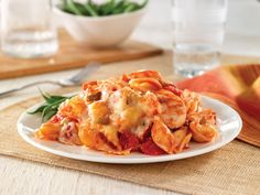This Cheesy Chicken and Pasta Casserole will become a quick favorite for the family! For more FASTastic recipes and savings, visit: bit.ly/1QnFW1Q