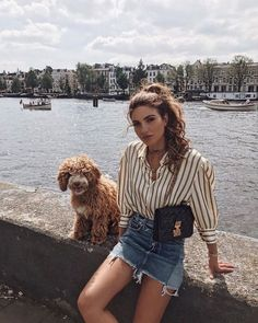 Conheça o estilo da Negin Mirsalehi e se inspire! Look: camisa listrada e saia jeans. Style Outfits, Cute Outfits, Fashion Outfits, Style Clothes, Cheap Clothes, Fashion Clothes, Spring Summer Fashion, Spring Outfits, Europe Outfits Summer