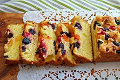 Chec cu fructe French Toast, Food And Drink, Bread, Breakfast, Recipes, Brot, Breads, Bakeries, Morning Breakfast