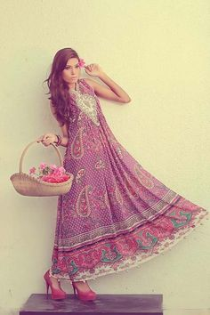Kaneez Fatimah Elegant Bridal Clothes 2014 Craze For Females: Kaneez Fatimah is usually a Pakistani recently exposed designer wear vogue brand launched in 2013 using brand new love to supply fashio…