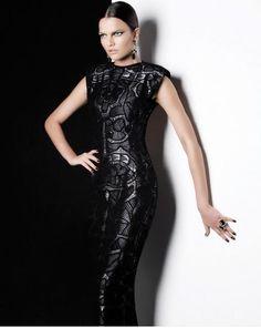 Martha Medeiros e seus vestidos de renda