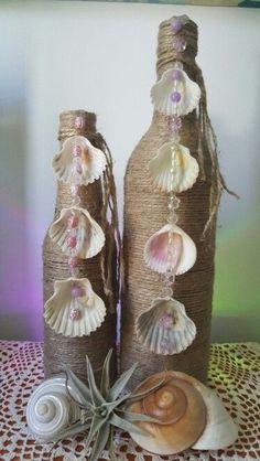 Resultado de imagem para garrafas decoradas com conchinhas do mar