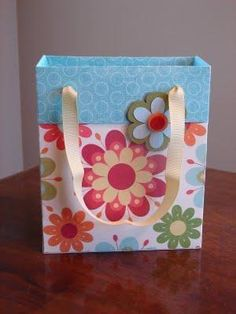 Another bag using 2 sheets 12 x 12, lots of pictures.