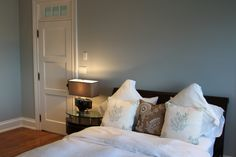 Hamptons Bedroom by Matt Lucas Building