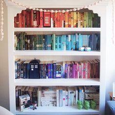 World Of Books, My Books, Bookshelf Inspiration, Diy Rangement, Book Organization, Organizing Books, Book Aesthetic, Library Books, Dream Library