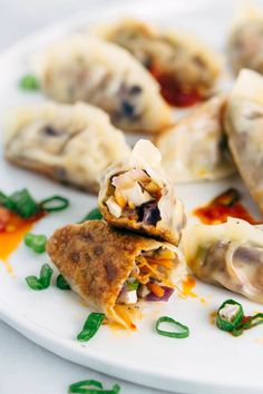 Pan Fried Crispy Vegetable Tofu Dumplings - #Chinese [wonton wrappers, extra firm tofu, shiitake or brown mushrooms, ginger, red cabbage, carrots, green onions, sesame oil, soy sauce or tamari] | jessicagavin.com