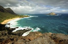 Makapuu Beach from the lookout, Oahu, Hawaii - 7Michael/Getty Images