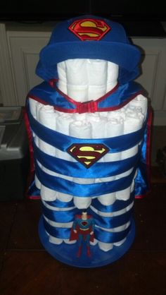 Superman diaper cake, 112 size 2 Pampers