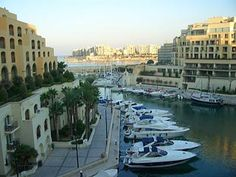 Typical architecture built in recent years in Malta. Malta Map, Malta Food, Capital Of Malta, Malta Beaches, Best Seafood Restaurant, Historical Monuments, Saint Jean, Beautiful Sunrise, Archipelago