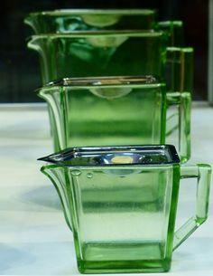"""""""Kylex"""", design William Stenberg. Började tillverkas 1937 på Gullaskrufs glasbruk i Småland."""