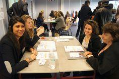 Étudiants de Savignac présentant les formations de l'Ecole de Savignac lors de la journée Portes Ouvertes 2014