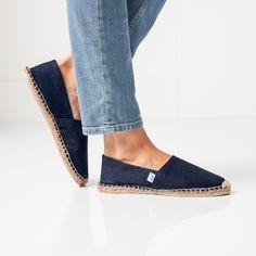 L'espadrille version 2017. Un joli bleu jean à marier avec toutes ses tenues. Collection Chaussures Blancheporte PE17.