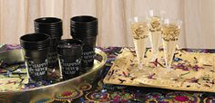 Toast the new year with these stylish champagne flutes and cups! These glasses are a fun way to serve drinks at your New Year's celebration or event.