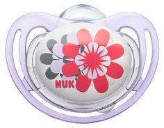 Chupeta Nuk FreeStyle com anel em silicone, disponível nos tamanhos 1, 2 e 3. Especialmente indicada para a pele sensível. Várias cores e motivos disponíveis. Motivo: Flower. www.nuk.pt
