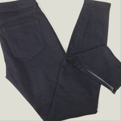 Elie Tahari Skinny Denim w/ Ankle Zippers NWOT Gorgeous, rich coloring! Invisible zippers at ankles, super skinny and great for tunics and sweaters! Elie Tahari Jeans