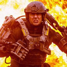 All You Need Is Kill Photo Reveals Tom Cruise as Bill Cage - Doug Liman is directing this sci-fi thriller about a soldier fighting an alien war, who must relive his death every single day.