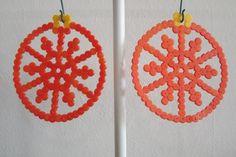 Kerstbal van strijkkralen - oranje (perler/hama/pyssla beads)