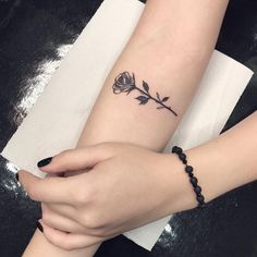 Small black rose tattoo ideas are a variety of ideas offered to people who want to have rose tattoos. Little Tattoos, Mini Tattoos, Trendy Tattoos, Cute Tattoos, Leg Tattoos, Body Art Tattoos, Small Tattoos, Tattoos For Women, Tattos