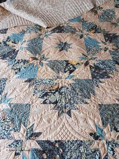 Hunters star quilts 36 from 47 Hunters Star Quilts Inspirations Modern Quilting Designs, Machine Quilting Designs, Quilting Projects, Quilting Ideas, Star Quilts, Scrappy Quilts, Quilt Blocks, Longarm Quilting, Free Motion Quilting
