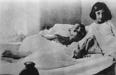 Mohandas Karamchand Gandhi (1869 - 1948) : Fasted to protest the treatment of Dalits, British colonialism, and Hindu-Muslim conflict.