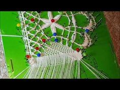 Cierre Cremallera 1 - YouTube Bobbin Lace Patterns, Decoupage, Lace Heart, Lace Jewelry, Needle Lace, Lace Making, Youtube, Plant Hanger, Lace Detail