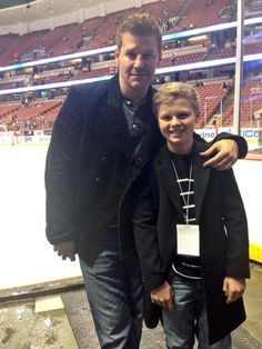 We're happy to have #Flyers super fans @David_Boreanaz and Jaden cheering us on in Anaheim tonight! #PHIvsANA