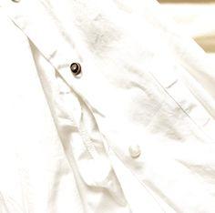 How to recycle a plain shirt Plain White Shirt, Plain Shirts, My Wardrobe, Raincoat, Group, Lifestyle, Board, Hair, Jackets