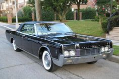 1966 Lincoln Continental convertible with suicide doors