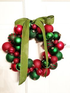 : Christmas Wreath tutorial by Embracing Messy