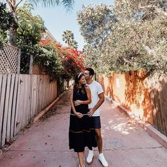 Venice, CA. Los Angeles, California. Couples Photo Ideas. Maternity Photo Ideas. Baby Announcement. Pregnancy Announcement. California Travel Guide, San Francisco Travel, United States Travel, Pregnancy Photos, Us Travel, Announcement, Venice, Photo Ideas, Maternity