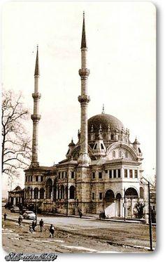 https://www.facebook.com/EskiZamanlardaIstanbulunEnGuzelFotograflari?ref=stream Tophane 1950 ler Nusretiye Camii