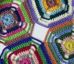 Makes a diamond pattern when sewn together .NO Pattern Crochet Motifs, Crochet Blocks, Crochet Art, Crochet Squares, Crochet Home, Crochet Granny, Crochet Stitches, Crochet Patterns, Granny Squares