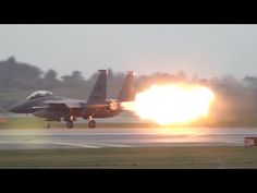 Footage from January 2014 of an Strike Eagle on take off from RAF Lakenheath, UK. The footage shows a dramatic AB blowout at normal speed, ori. Aircraft Images, Military Jets, Fighter Jets, Aviation, Eagle, Airplanes, Youtube, Movies, Pictures