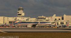 "https://flic.kr/p/Fxzk3c | American Airlines Inc, N905NN, 2012 Boeing B737-823 WL, MSN 31156, LN 4210, FN 3JP, ""AstroJet Retro"""