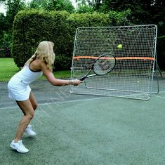 Heavy duty galvanised steel frame wide x tall tubular frame with high quality mesh net and target band. Outdoor and indoor use. Tennis Trainer, Tennis Online, Tennis Accessories, Tennis Equipment, Tennis Tips, Filets, Galvanized Steel, Rebounding, Tennis Racket