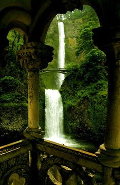 Double Waterfall, Silver Falls State Park, Marion County, Oregon reminds me of Lord of the Rings