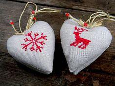 tintus / Vianočné vyšívané ľanové srdiečka