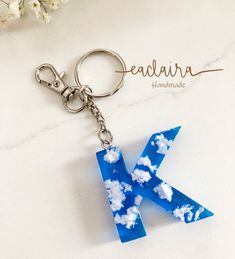 Cloud Bule Sky Resin Letter Custom Keychain, Handmade personalized initial key chain decorations, Families, Friends and BFF Gifts Diy Resin Art, Diy Resin Crafts, Uv Resin, Diy Resin Keychain, Cute Keychain, Barbie Vintage, Resin Charms, Bff Gifts, Resin Jewelry
