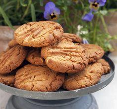 Nathalies jordnötssmörkakor Bun Recipe, Fika, No Bake Cookies, Something Sweet, Cookie Recipes, Sweets, Desserts, Drinks, Frases