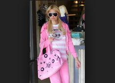 Paris Hilton covered head to toe in pink<3