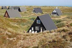 Denemarken, vakantie huisjes in de duinen.
