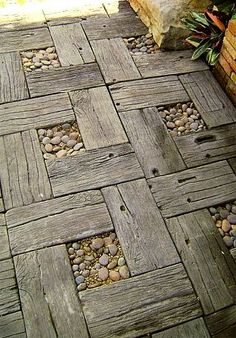 I'll bet my FIL has some wood I could use to make a walkway to the car! Reclaimed wood with stones garden walkway design Outdoor Projects, Garden Projects, Pallet Projects, Diy Pallet, Diy Projects, Pallet Ideas, Outdoor Ideas, Pallet Size, Rustic Outdoor Decor