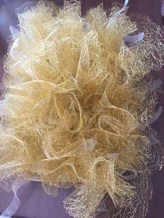 Nuvola di tulle a rete color oro #wedding #matrimonio #oro #nozze #nozzedoro…