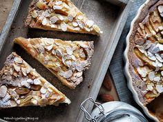 Hruškový koláč s mandlemi (Pear cake with almond) Pear Cake, Almond, Food And Drink, Sweets, Bread, Ethnic Recipes, Fruit Cakes, Tarts, Blog