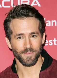 Ryan Reynolds Height, Weight, Biceps Size and Body Measurements