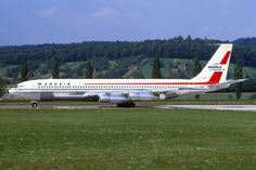 Wardair Canada Boeing 707-396C CF-ZYP (msn 20043) at ZRH Canadian Airlines, Pacific Airlines, Best Airlines, Boeing 707, Boeing Aircraft, Passenger Aircraft, Illinois, Air Company, Air Transat