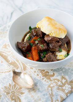Balsamic Beef Stew - One of my favorite Sunday meals. Slow cooked and hearty, this beef stew is incredible. Beef Recipes, Soup Recipes, Cooking Recipes, Beef Meals, Cookbook Recipes, Diabetic Recipes, Cooking Time, Healthy Recipes, Korma