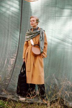Marimekko, Flower Graphic, Free Logo, Walking By, One Design, Perfect Match, Timeless Fashion, Autumn Winter Fashion, Celebrities
